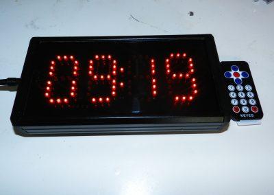 Relógio digito 7cm altura