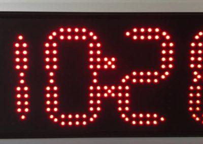 Relógio dígitos 22cm